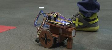Citilab Presenta En Societat La Placa Whitecat A La Mini Maker Fair