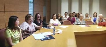Laia Sánchez Presenta Els Resultats Del Projecte Europeu Mind The GAP! Al Consell De La Dona De Cornellà