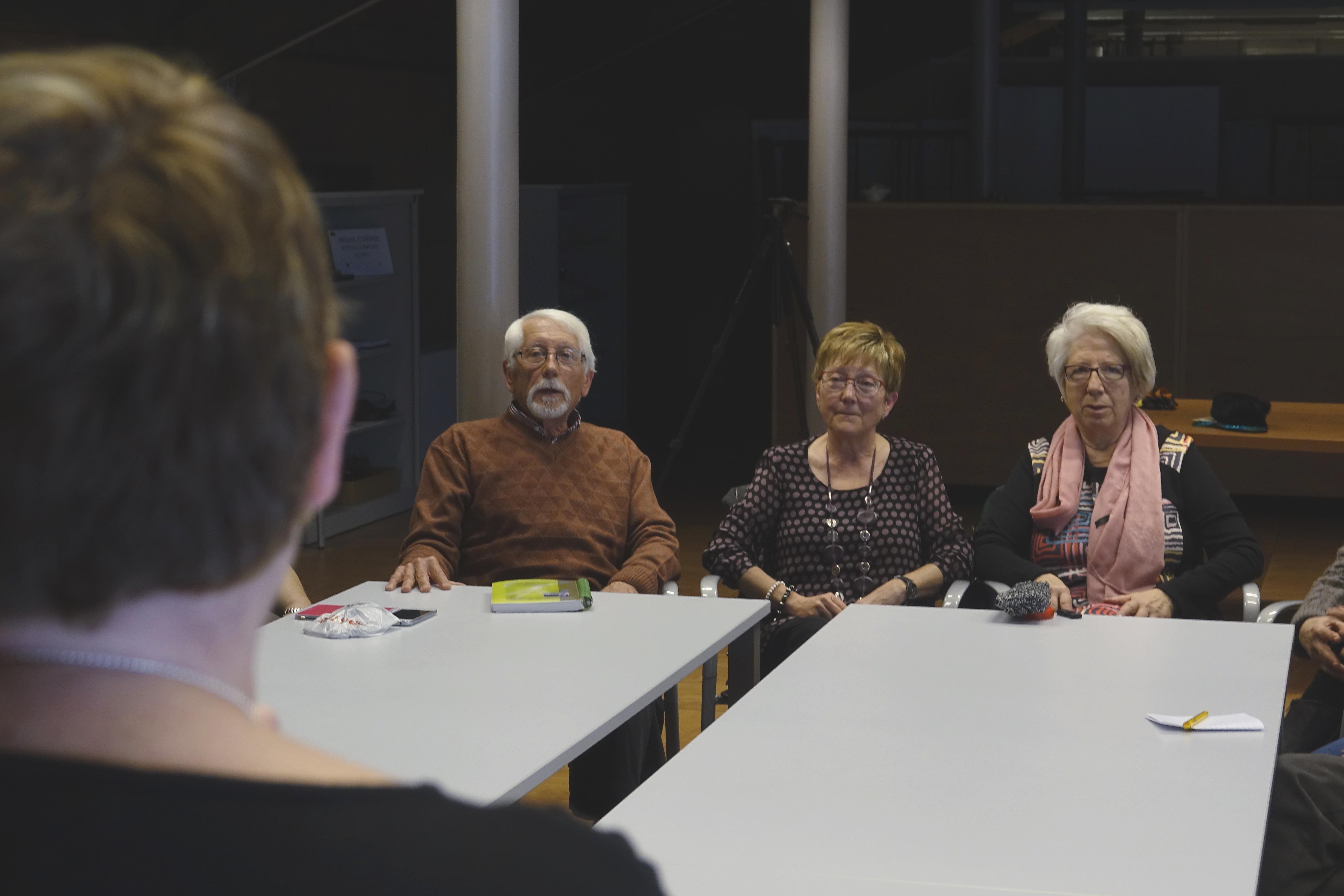 Membres De SeniorLab Durant Una Presentació De Projectes
