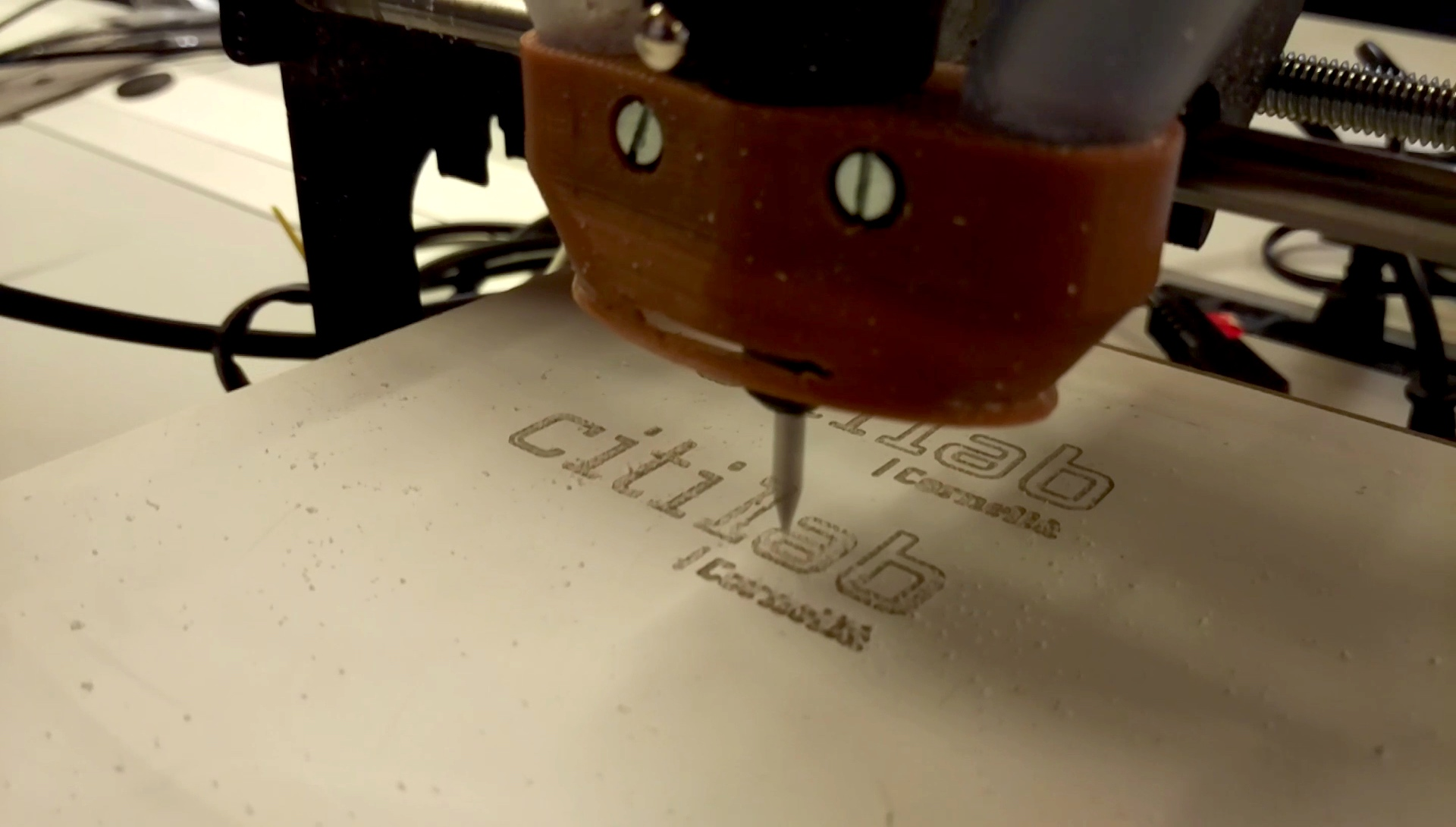 Los Clubs Presentan… La Talladora CNC