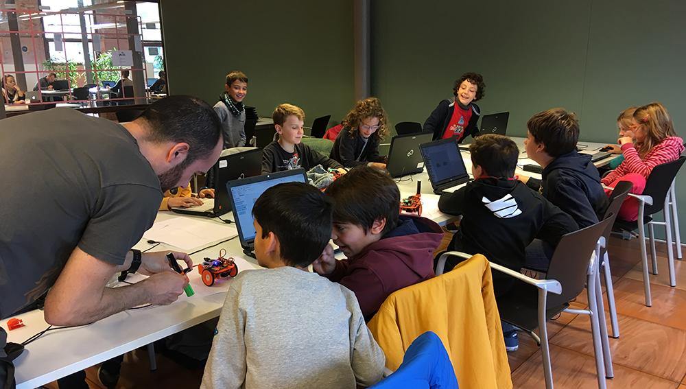 Diversió I Aprenentatge Programant Amb Snap4Arduino En La Nova Edició Del Tecnohivern 2018