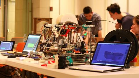 Javier González Participa En La Jornada 'Innovació Oberta I Fab Living Labs' De La Universitat Autònoma De Barcelona