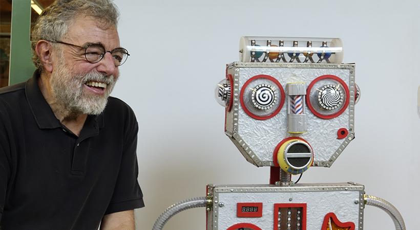 Un Robot Destinat A Ajudar Infants Amb Discapacitat Intel·lectual Neix Als Clubs Del Citilab
