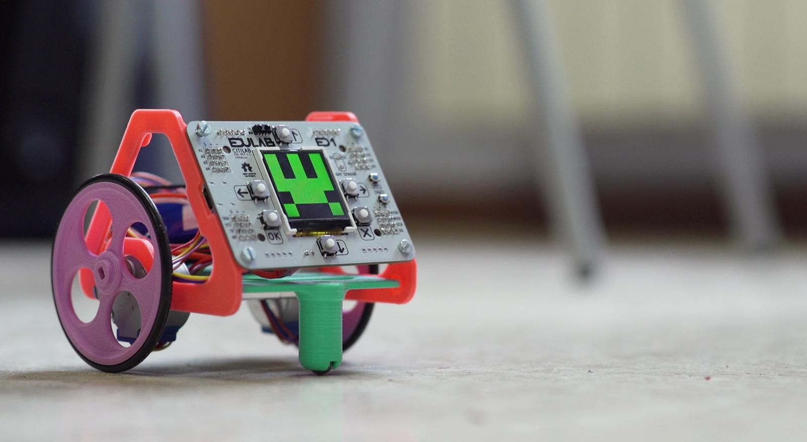 El Nou Robot Del Citilab S'estrena A Les Escoles De Cornellà