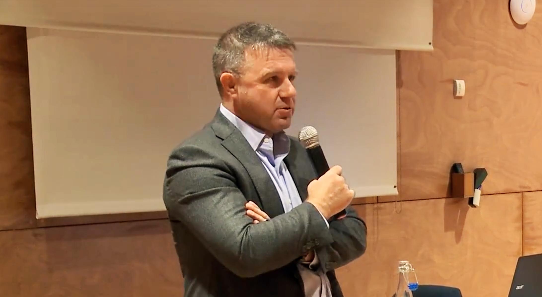Xavier Ferràs durant la conferència inaugural del conveni entre CREA, Aigües de Barcelona i Citilab 2018