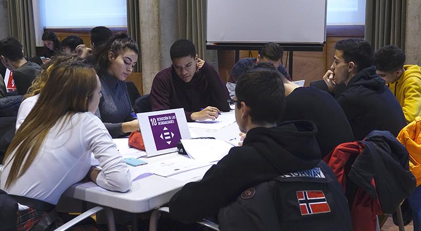 La Salut, L'educació I La Igualtat De Gènere: Els Temes Protagonistes De La Primera Jam De Treballs De Recerca De Cornellà