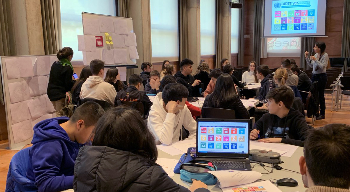 La Salut Torna A Ser L'àmbit Que Desperta Més Interès Per A Fer Recerca Entre L'alumnat De Batxillerat De Cornellà