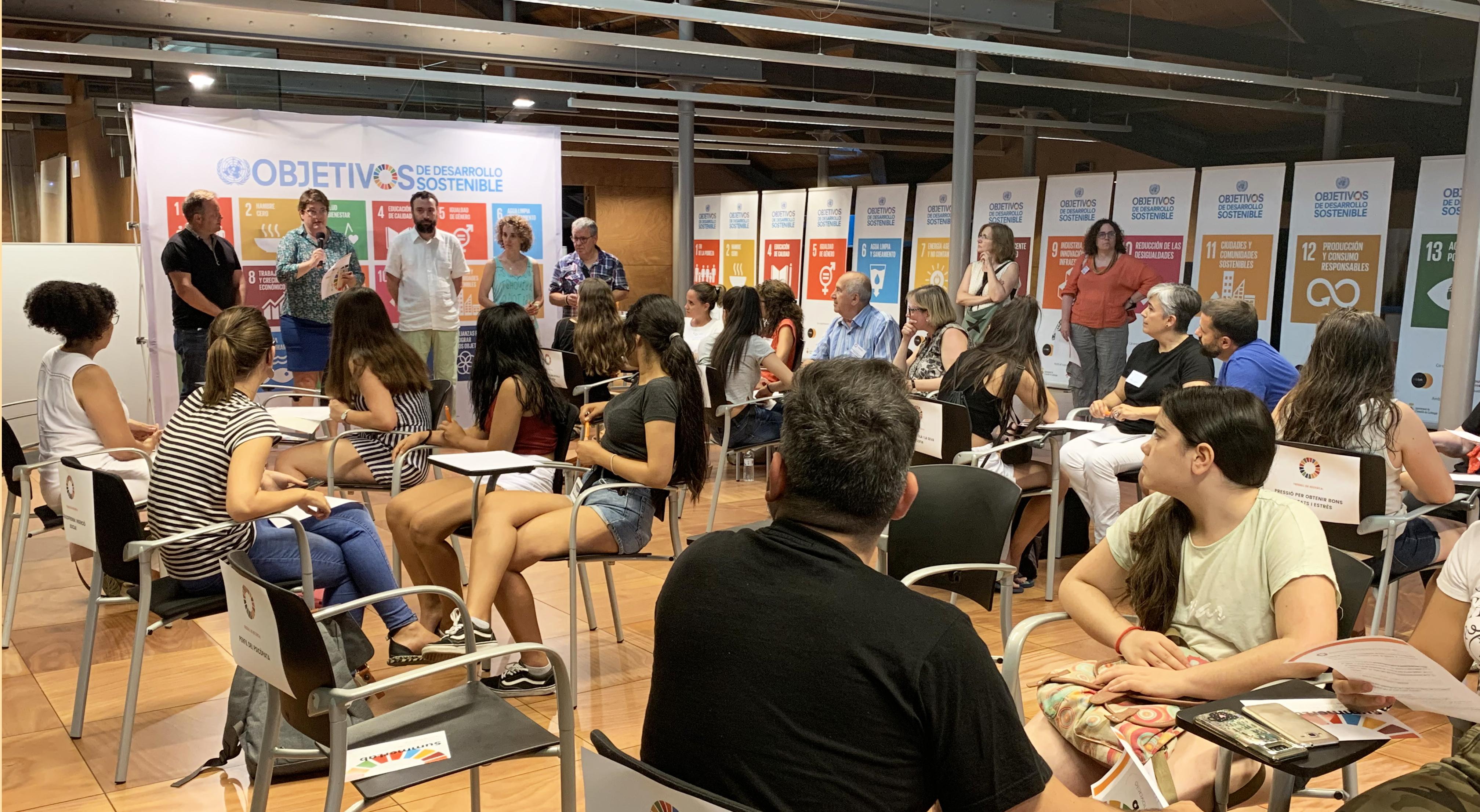 Una Vuitantena De Persones Participen Al SummerLab Del Citilab: Intercanvi De Coneixement Entre Alumnat I Professionals De Cornellà