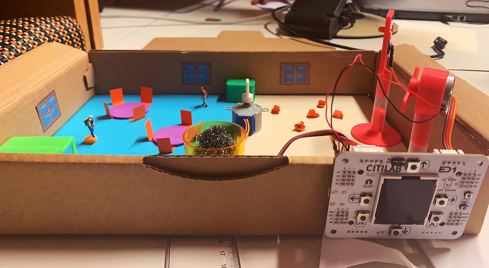 Alumnat De Primària Construeix La Maqueta D'una Escola Intel·ligent Amb El Projecte EduLab