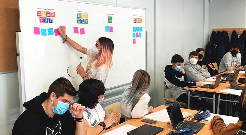 La Salut, La Reducció De Les Desigualtats I La Innovació Són Els Temes Que Més Interessen A L'alumnat De 1r De Batxillerat De L'Institut Joan Miró Per Fer Recerca
